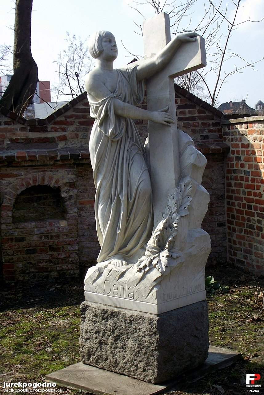 Znalezione obrazy dla zapytania Nagrobek Geni Poznań