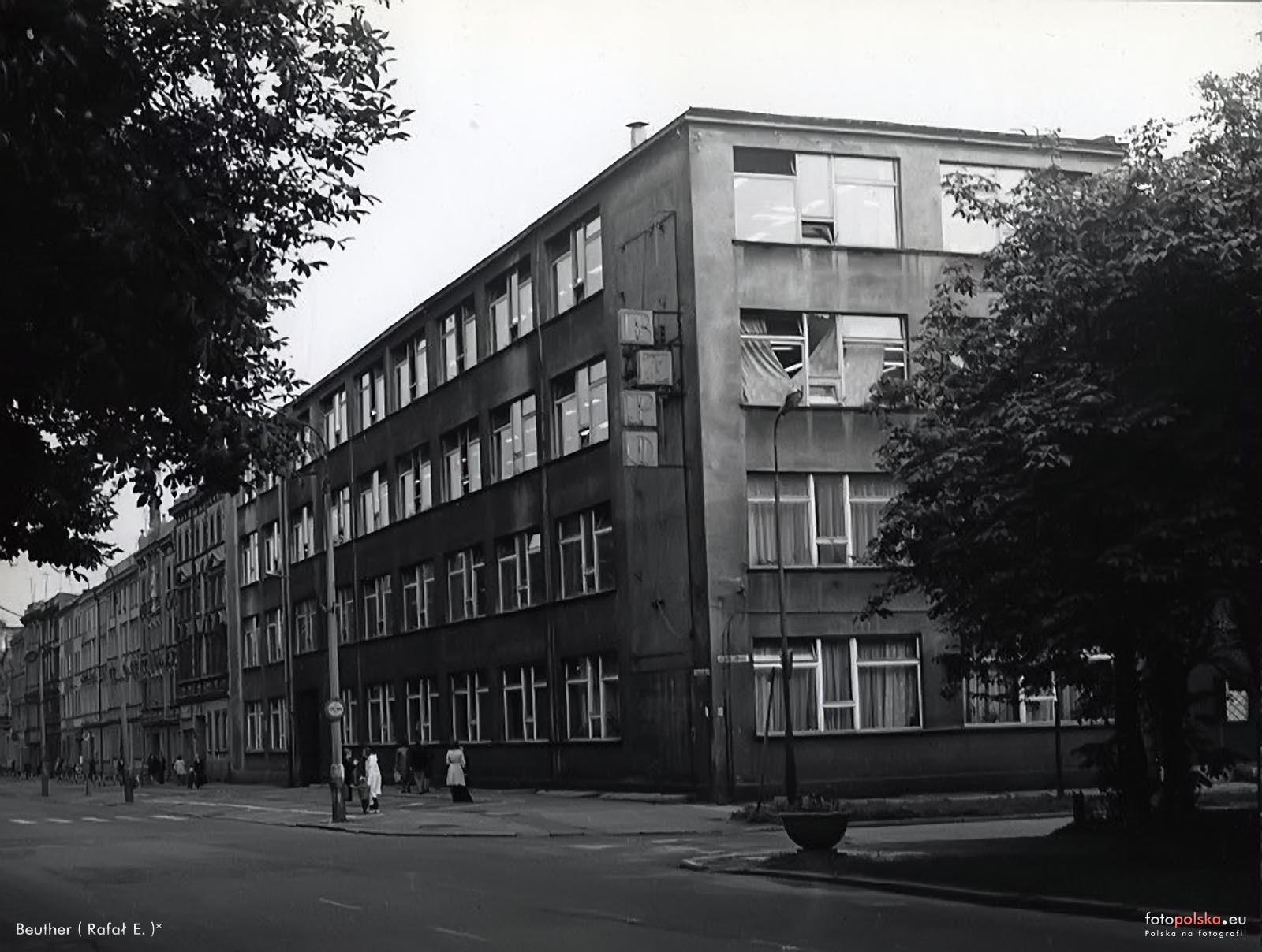 eda4bbcc4f7b1 Bytom Square (Bytomskie Zakłady Przemysłu Odzieżowego / Zakłady ...