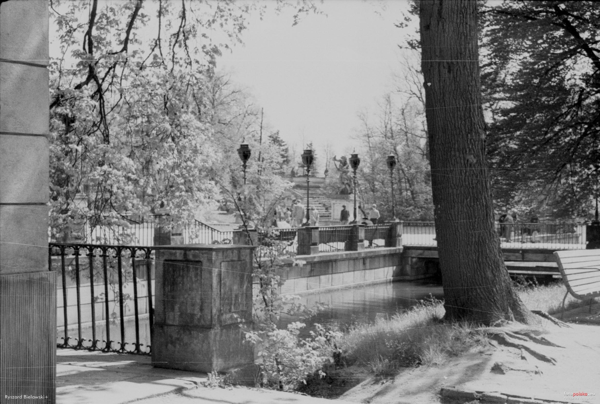 łazienki Królewskie Warszawa 1955 Rok Stare Zdjęcia